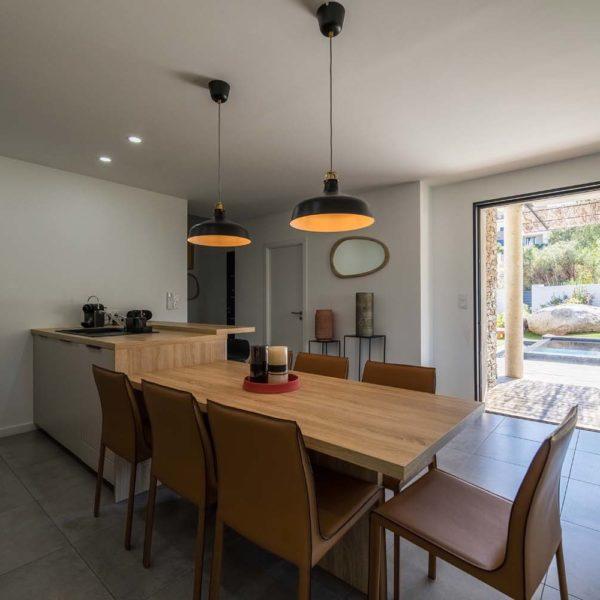 La salle à manger - Villa Berda à Porto-Vecchio